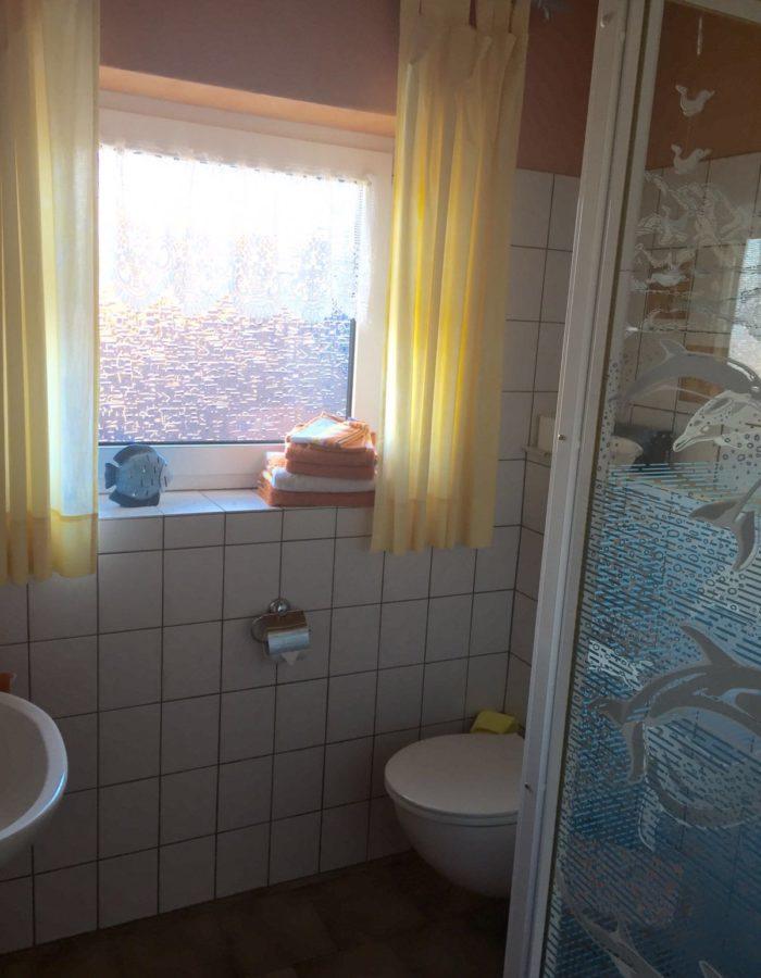 Wohnung 1 - Badezimmer (1)